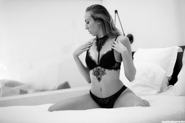 Photographe Boudoir Noir et Blanc Deluxe Lyon - Jonathan Bourrat (18) pb