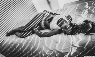 Photographe Boudoir Noir et Blanc Lyon - Séance Alyssia Studio 2018 - Jonathan Bourrat (28) BD