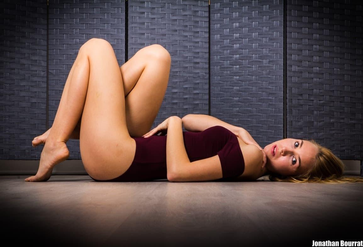 Séance photo boudoir a Lyon - Alyssia Modele par Jonathan Bourrat (17) PB