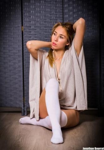 Séance photo boudoir a Lyon - Alyssia Modele par Jonathan Bourrat (20) PB