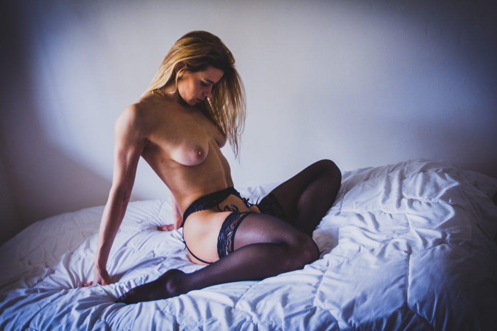 Shooting érotique et sexy Julia Nicole